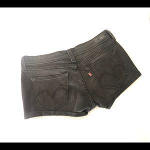 Black Levi's Shorts 28